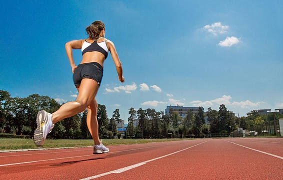 Why Track Sessions Make You Run Faster #RunFormFriday